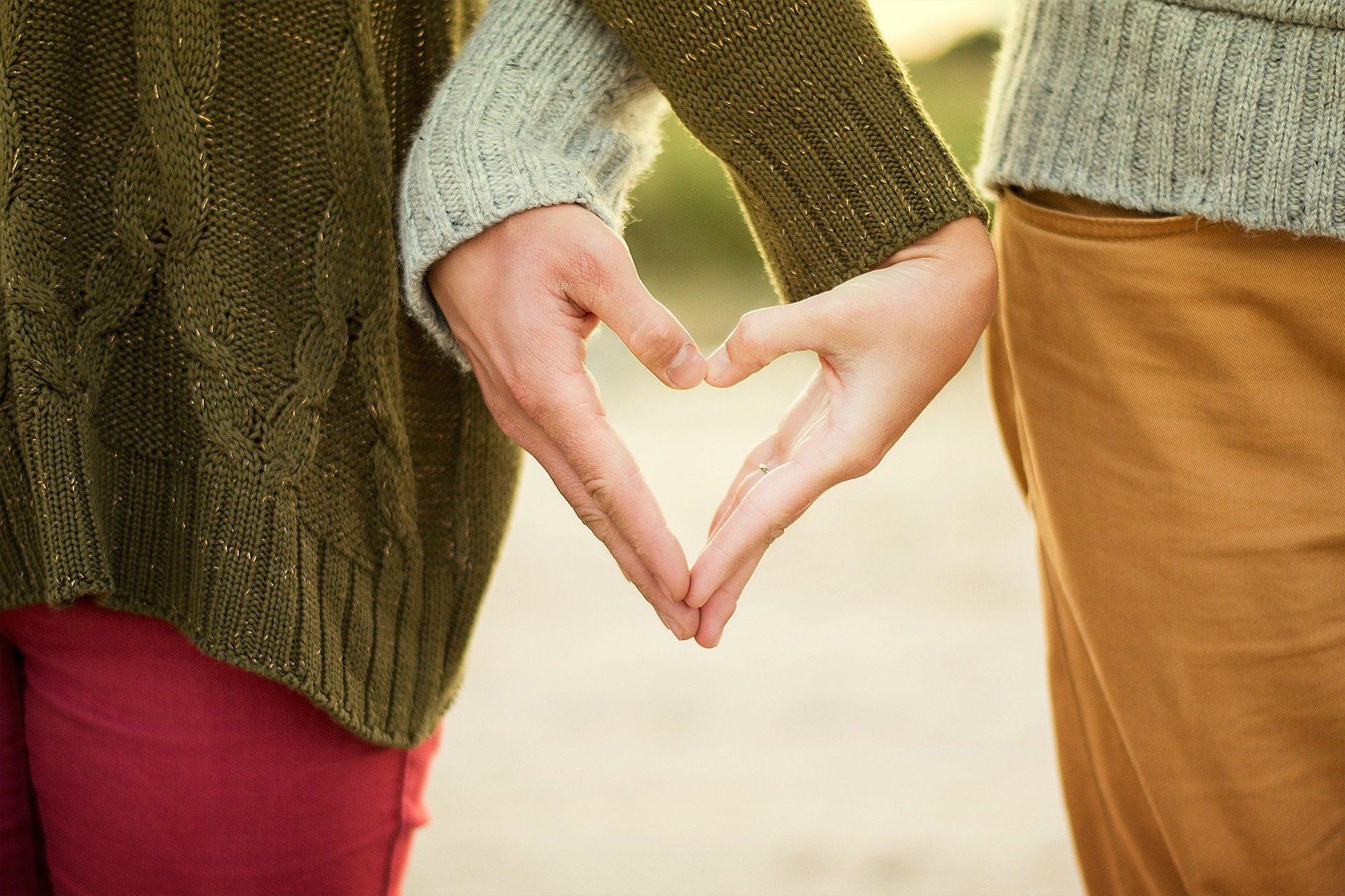 heart hands image